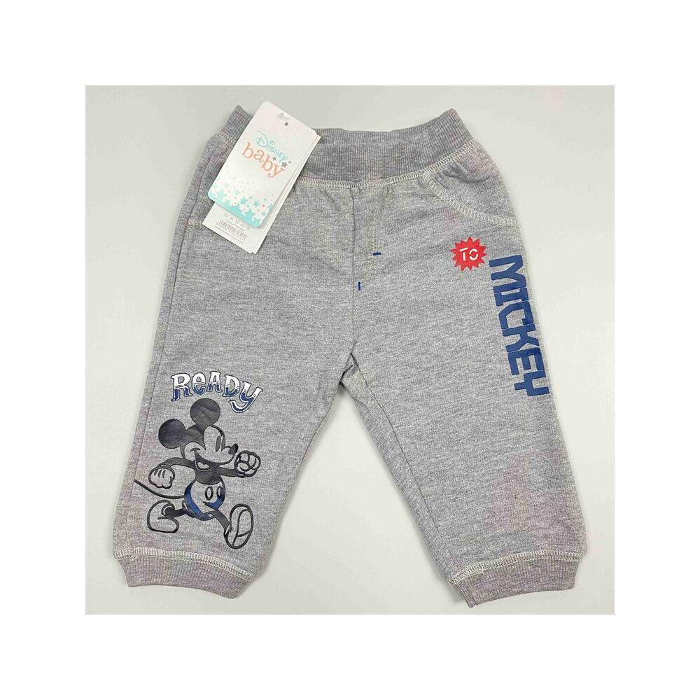 Kisfiú szürke hosszú szárú nadrág Mickey felirattal és motívummal.