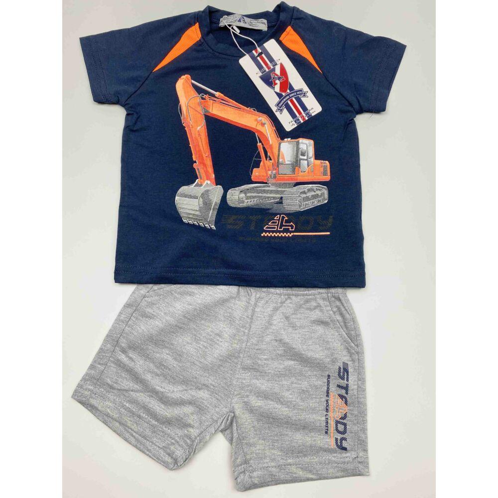 kisfiú sötétkék két részes munkagépes nyári szett, felső részén egy markoló van, nadrágja zsebes, felíratos.