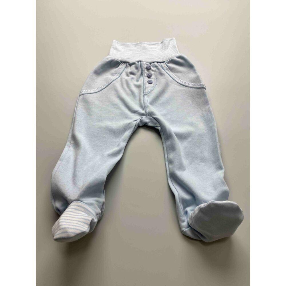 Kisfiú kék színű pamut nadrág, lehajtható széles, bordás derékpánttal, elején álzsebekkel, passzés szárvéggel.