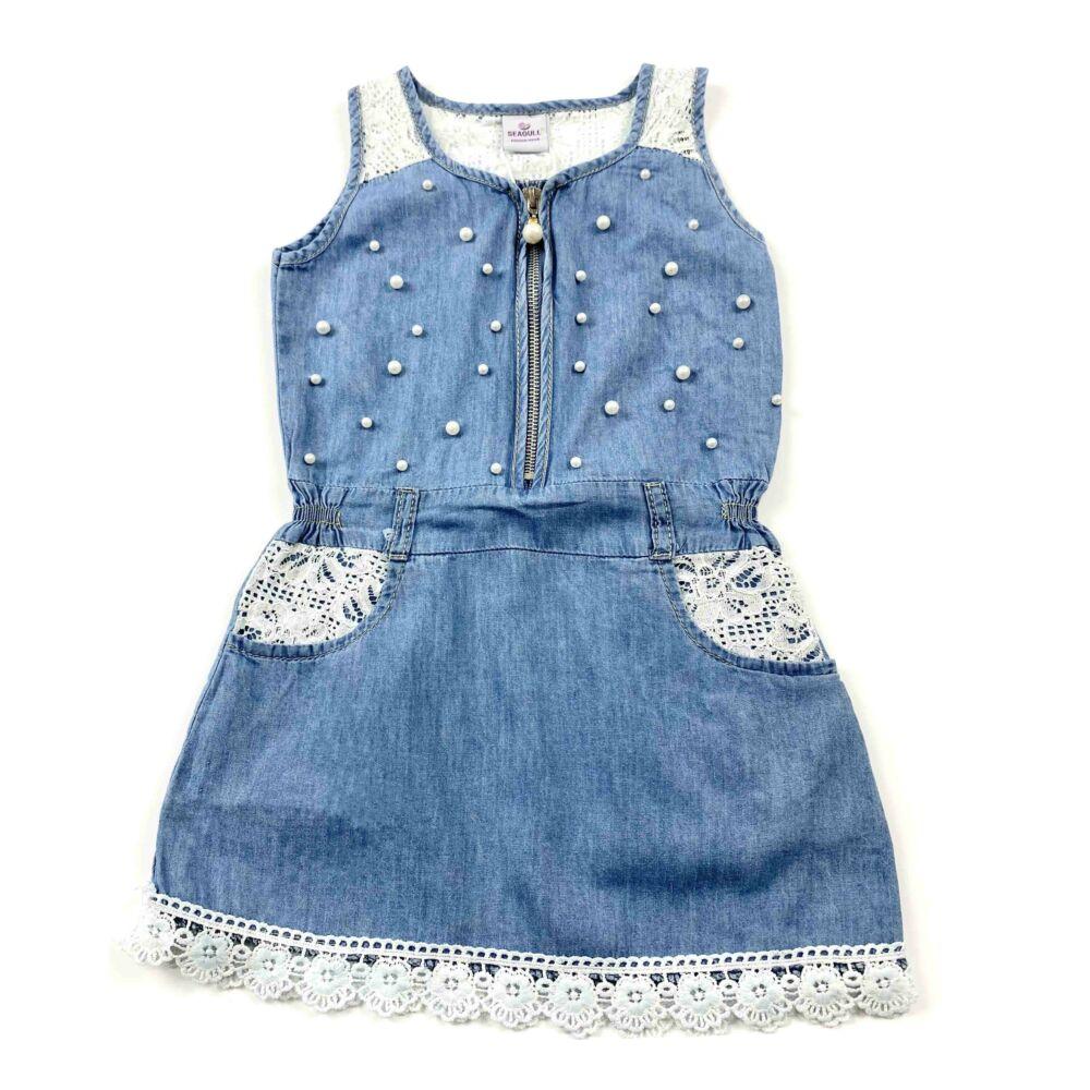 Kislány nyári ujjatlan farmer ruha, elejét gyöngyök díszítik. Vállánál, zsebeinél és a szoknya alján csipke díszíti