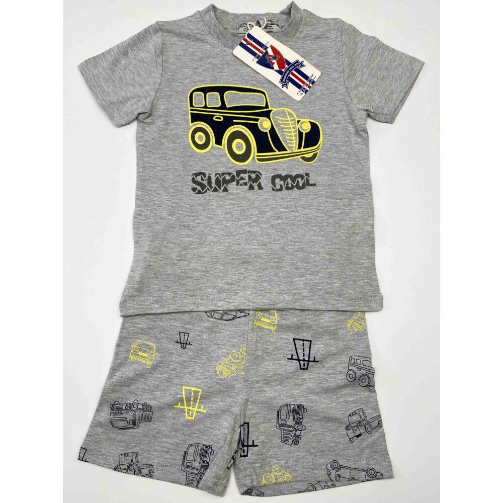 Kisfiú nyári két részes rövid pizsama, szürke felső és szürke alsó részén is autó mintával, dereka gumis