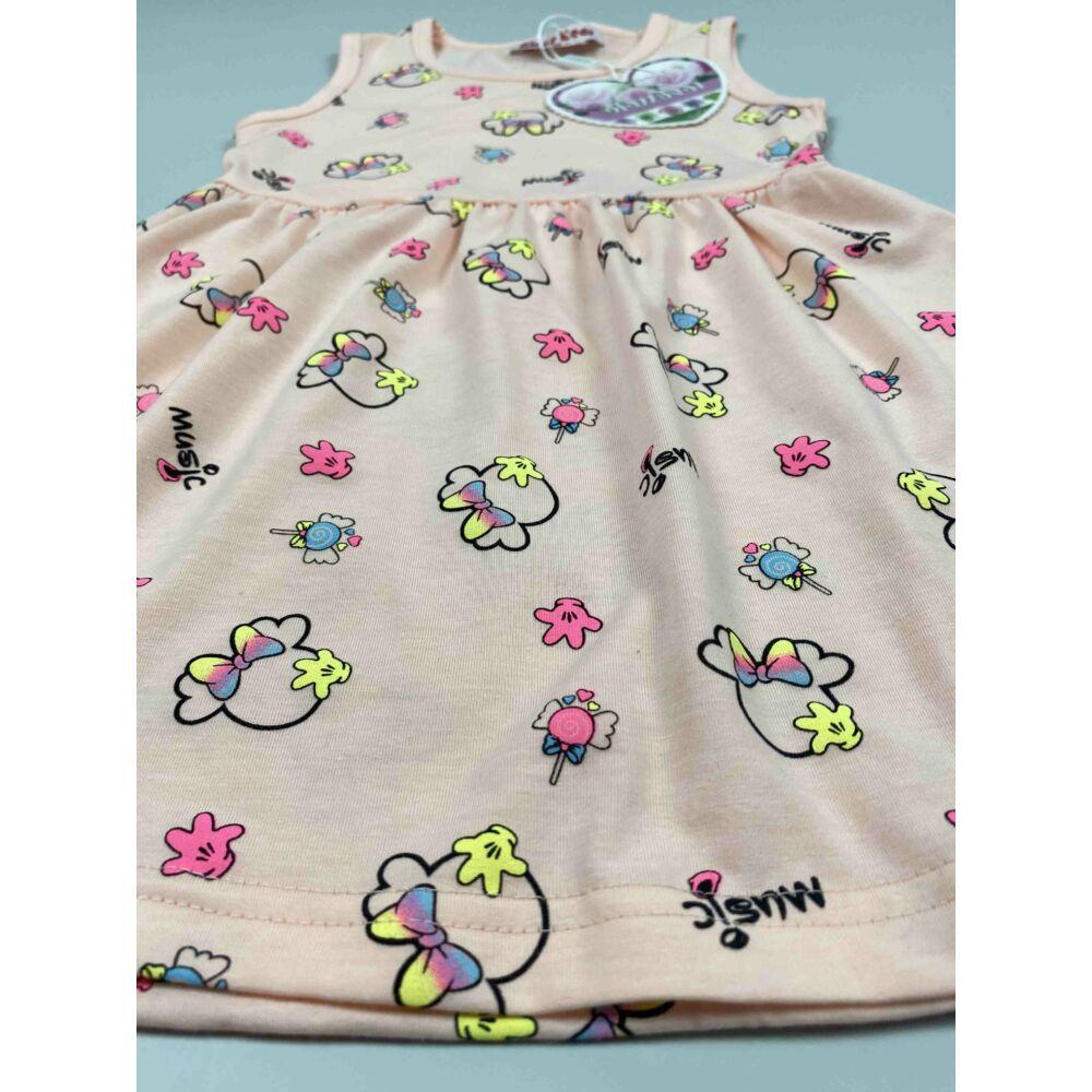 Kislány ruha barack színű alapon Minnie fejes motívumokkal music felirattal, közeli kép
