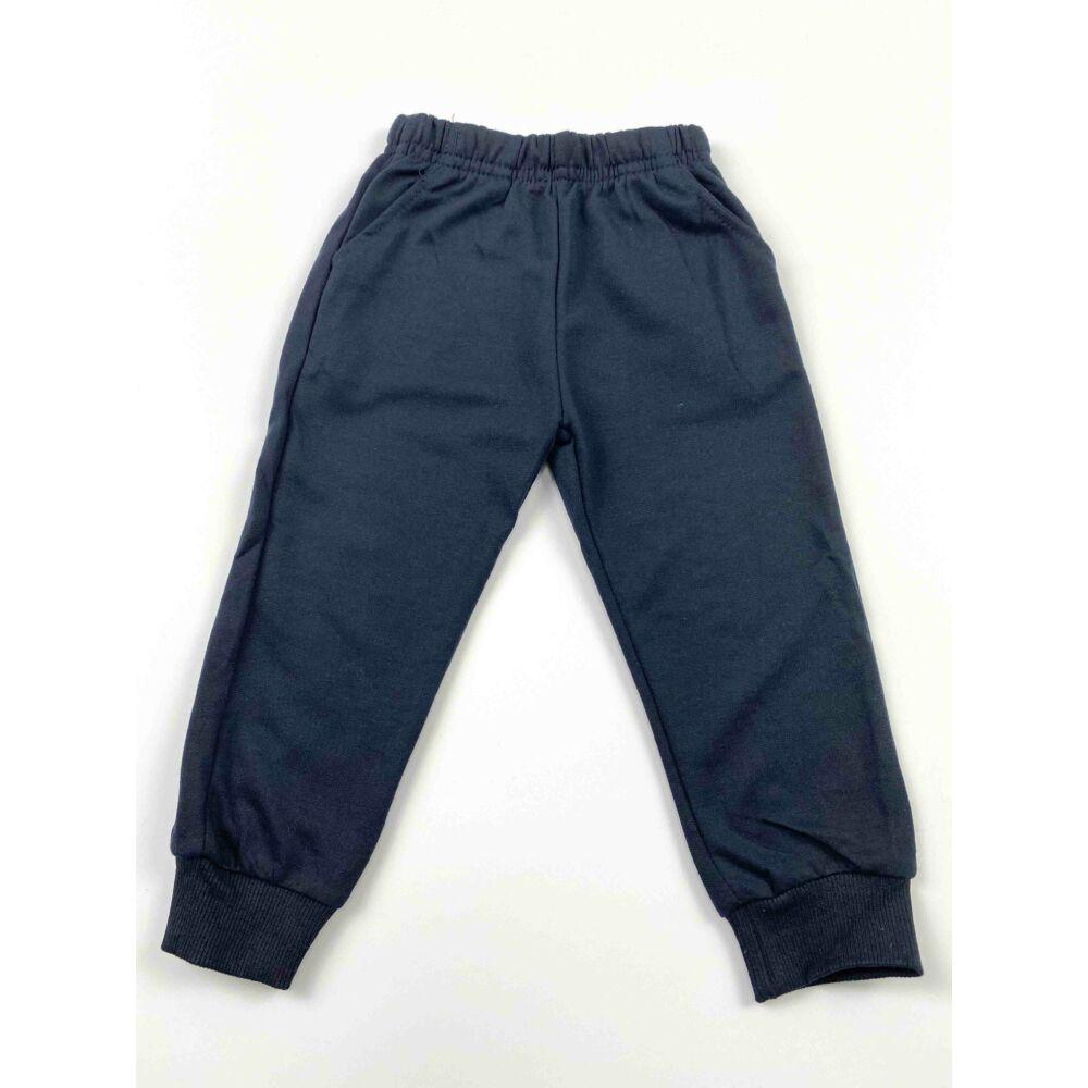 Kisfiú munkagépes, buldózer mintás három részes szabadidő szett, nadrágja gumis derekú, elején zsebekkel