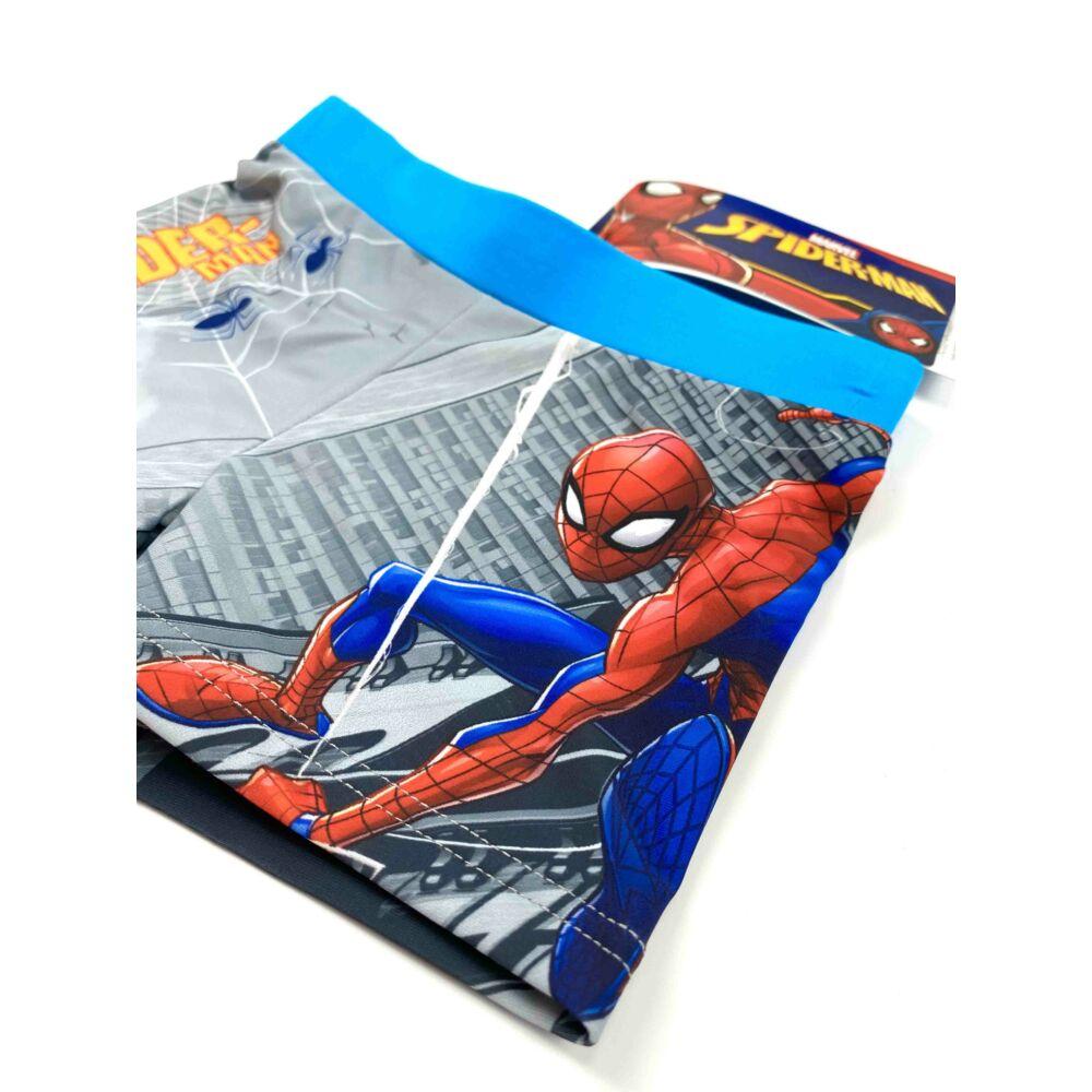 Marvel Pókember mintás kisfiú fürdőnadrág világoskék színben. Az úszónadrág dereka gumis, és belül aktív kötős közeli