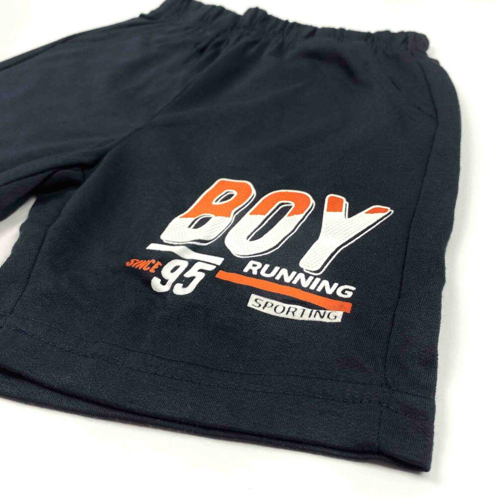 Kisfiú két részes nyári szett, narancárga felső, Boy felírattal nadrágja zsebes, dereka gumis.