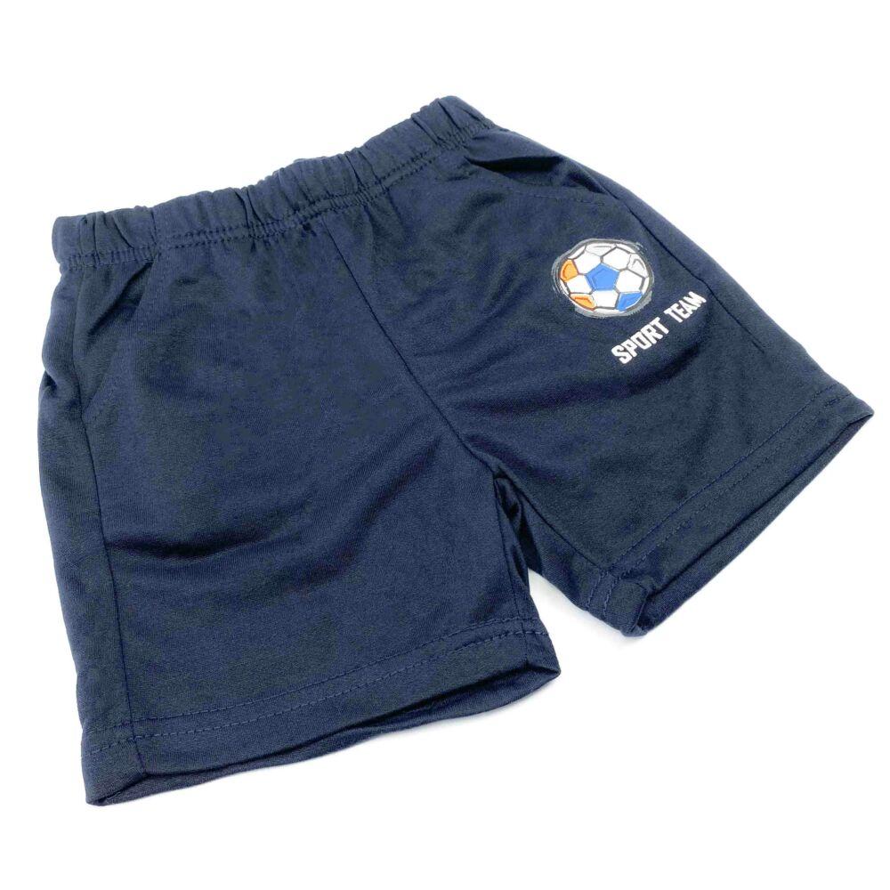 kisfiú két részes nyári szett, filmnyomott labdás mintával, sötétkék színű, nadrágja zsebes, dereka gumis