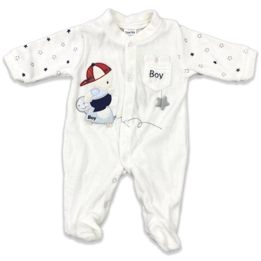 Magas pamuttartalmú, plüss, lábfejes kialakítású kisfiú baba rugdalózó.